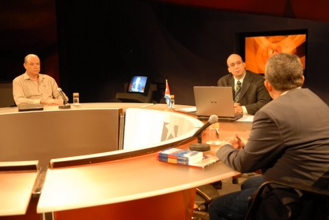 mesa-redonda-alba_9-de-diciembre-de-2009_04