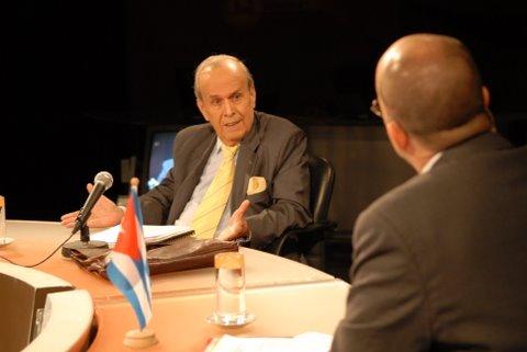 Ricardo Alarcón y Randy Alonso, director del programa.