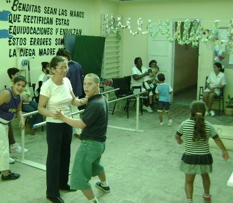 Centro Médico Psicopedagógico de Pinar del Río para rehabilitar a niños con retraso mental.