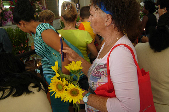 La peregrinación de San Lázaro vuelve a reunir a miles de devotos en Cuba