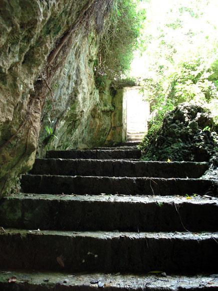 Escalera de la antigua fortaleza de La Punta, erigida en el siglo XIX en Baracoa, en la provincia de Guantánamo al Oriente de Cuba