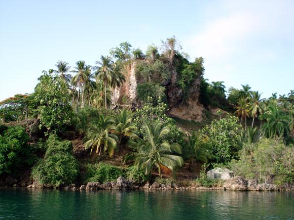 Los cocoteros adornan la bahía de Baracoa, en la provincia de Guantánamo al Oriente de Cuba