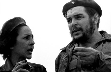 Celia Sánchez y el Che Guevara.
