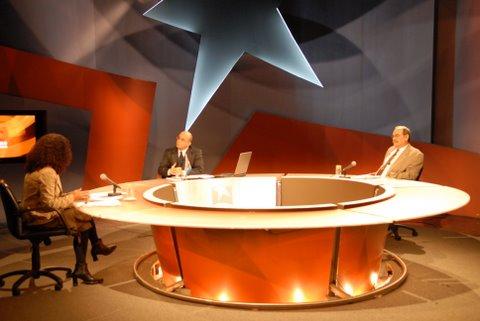 Mesa Redonda de la Televisión Cubana: Marina Menéndez, el director Randy Alonso y