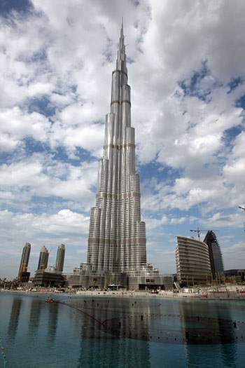 Dubai el edificio mas alto del mundo (AFP PHOTO/KARIM SAHIB)