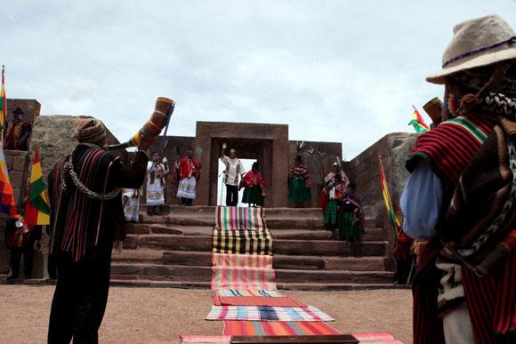 El presidente boliviano, Evo Morales, fue proclamado guía espiritual de los indígenas en una ceremonia aymara de ritos ancestrales en la cuidad preincaica de Tiawanaku.