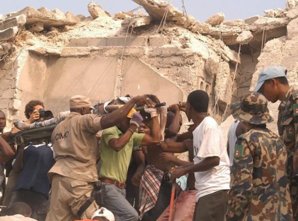 Publica Cubadebate primeras fotos luego de sismo en Haití