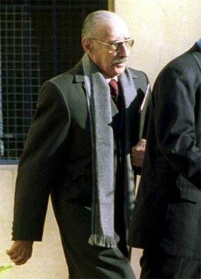 Fotografía de archivo del 6 de agosto de 2003 del ex presidente argentino Jorge Rafael Videla. EFE