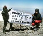 Jóvenes argentinos en la cima del Aconcagua