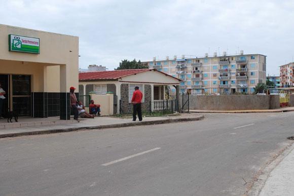 """Vista del poblado costero """"La Coloma"""" del municipio de Pinar del Río, blanco frecuente de ciclones, luego de beneficios constructivos a sus edificaciones. AIN Foto: Abel Padrón Padilla"""