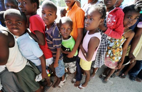Niños haitianos (Foto: AFP)