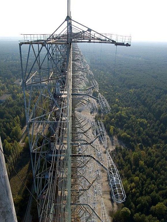 """Sistema Duga-3, conocido popularmente como el """"Pájaro Carpintero ruso"""". Foto Camp&travel"""