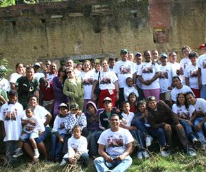 Jóvenes cubanos y venezolanos rinden tributo a José Martí