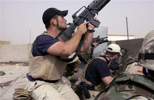 Foto de archivo de trabajadores de la empresa de seguridad privada Blackwater. Foto: AP/Gervasio Sanchez.