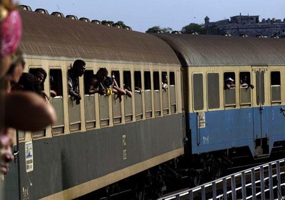 Vistas desde la ventanilla del tren. Cuba