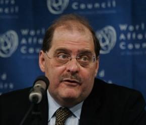 Bernardo Álvarez.