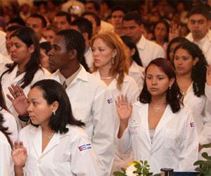 Brigada médica cubana ayuda a Dominica tras paso de la tormenta Erika
