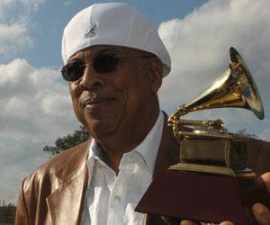 Chucho Valdés en Cuba con su premio Grammy 2010