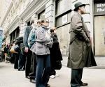 Colas de desocupados. La crisis en EE.UU. hizo caer fuerte el empleo. Foto: AFP