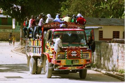 Muchas personas salen de ciudades como Puerto Príncipe o Jacmel a refugiarse en las comunidades rurales.