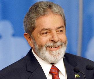 Lula llega a hospital para iniciar tratamiento contra cáncer de laringe