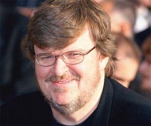 Michael Moore recoge sus libros de Georgia tras la ejecución de Troy Davis