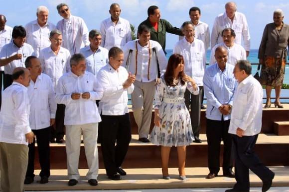 Raúl en la Cumbre de la Unidad.