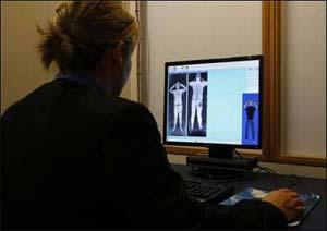 Aeropuertos de N.York instalarán escáneres corporales mes que viene