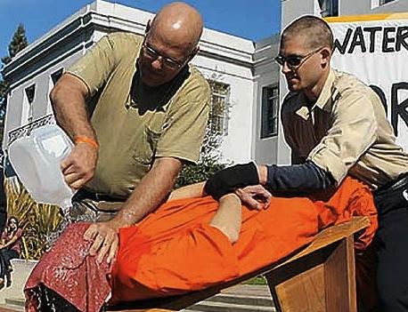 Demostración de tortura del submarino.