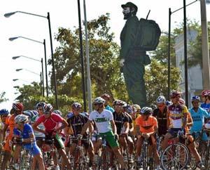 Vueltas Ciclísticas a Cuba. Entrada a Santa Clara. Foto: Franklin Reyes
