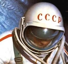 Alexei Leonov, cosmonauta soviético que dio el primer paseo  espacial