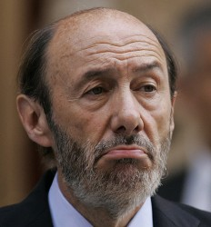 Alfredo Pérez Rubalcaba, ministro del Interior, de España