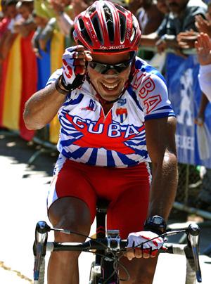 Arnold Alcolea lidera equipo cubano en Vuelta ciclística a Martinica