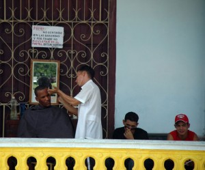 Publican en Cuba reglamentos para reducción de plantillas infladas y ampliación de trabajo por cuenta propia (+ Gacetas)