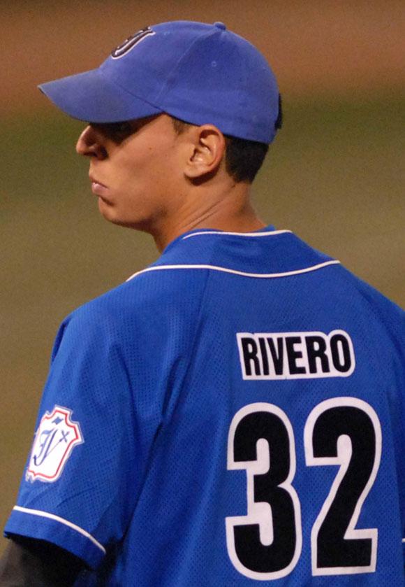 El lanzador derecho Armando Rivero
