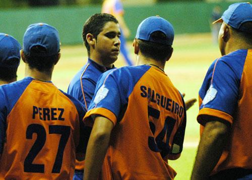 El derecho Ismel Jiménez le devolvió la calma a Sancti Spíritus. Foto: Juan Moreno