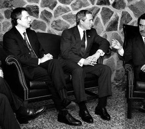 LA CUMBRE DE LAS AZORES. Días antes de iniciar la invasión de Iraq, Bush, Blair y Aznar se reunieron en las islas portuguesas con Durão Barroso como anfitrión
