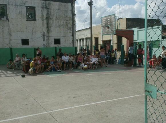 Campo Deportivo en la calle Calixto García