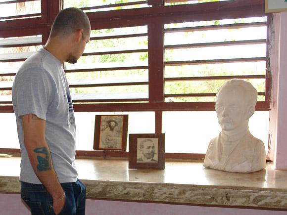 Calle 13 visitó la escuela Carlos Muñiz Varela de Bauta