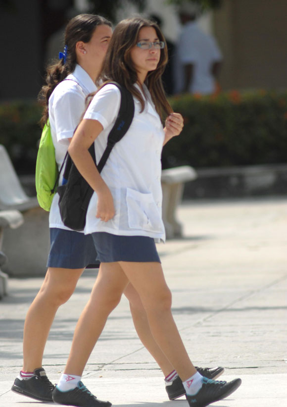 Chica guapa lindas piernas metro l2 mx parte 2 - 1 part 9