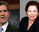 El senador Jim DeMint (I) obligó a la Comisión de Relaciones Exteriores del Senado a retrasar la audiencia programada para esta semana, en la que se decidiría el nombramiento de Mari Carmen Aponte hasta el próximo miércoles. (AP)