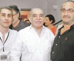 Gabriel García Márquez, con Ezequiel y Gonzalo, los hijos de Tomas Eloy Martínez.