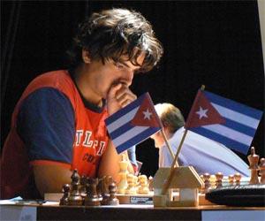 Ajedrecista cubano Bruzón mantuvo liderazgo en Barcelona