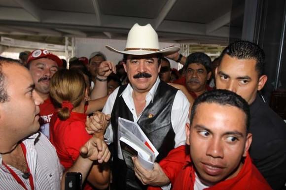 Mel Zelaya en Venezuela