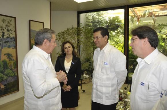 Cuba y El Salvador restablecieron relaciones diplomáticas el 1 de junio de 2009, el mismo día en que ascendió a la Presidencia Mauricio Funes, tras la victoria electoral del Frente Farabundo Martí para la Liberación Nacional. Foto: Geovani Fernández