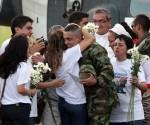 El sargento Pablo Emilio Moncayo a su llegada al aeropuerto de Florencia. Foto: EFE