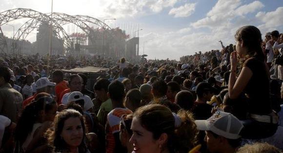 Tribuna Antimperialista durante el concierto de Calle 13 Foto: Roberto Morejón