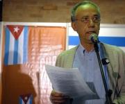 """El investigador y ensayista Fernando Martínez Heredia, durante la inauguración de la exposición, """"50 veces Cuba"""", de Kaloian"""