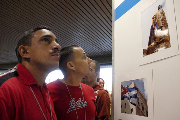 "Inauguración de la exposición, ""50 veces Cuba"", de Kaloian"