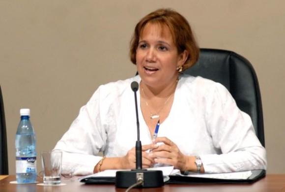 Ana Maria Mary Machado, presidenta de la Comisión Nacional Electoral (CEN) , durante la conferencia de prensa que ofreció, sobre los resultados de la votación de los comicios parciales , en el Centro de Prensa Internacional (CPI) , en Ciudad de La Habana, el 26 de abril de 2010. AIN FOTO/Marcelino VAZQUEZ HERNANDEZ